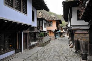 arquitetura típica búlgara antiga, etara, bulgária foto