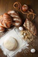 massa fresca de farinha com pão de centeio