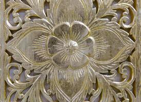 arte de escultura de flor dourada