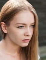 close-up de menina bonita foto