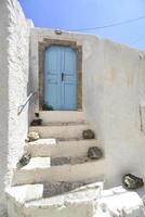 porta grega tradicional na ilha de santorini