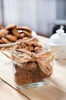 panela cheia de biscoitos de muesli saudáveis