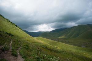 caminhadas nas montanhas foto