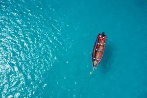 barco tradicional fisher em santa maria ilha sal cabo verde