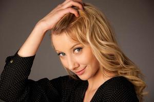 imagem do retrato de uma bela jovem caucasiana