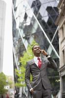 empresário americano africano confiante foto