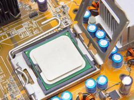 processador na placa-mãe do computador foto