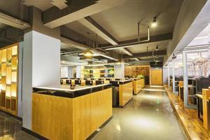 interior moderno do café da internet