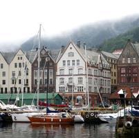 Bergen nas nuvens foto