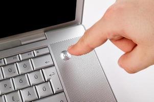 apertando o botão liga / desliga foto