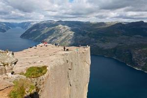 rocha do púlpito em lysefjorden (noruega) foto