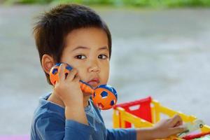 menino asiático foto