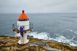 caminhadas de inverno na ilha de lofoten, noruega foto
