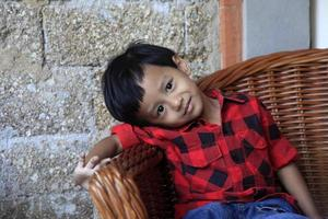 menino asiático
