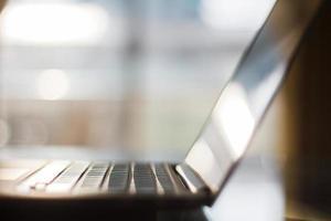 laptop close-up, profundidade de campo foto