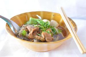 sopa de galinha asiática foto