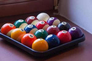 bolas de bilhar coloridas foto