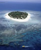 ilha do tesouro bem no meio do mar