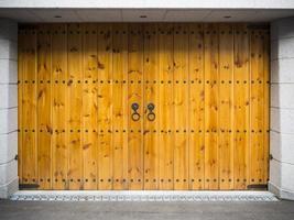 garagem de madeira de estilo asiático foto