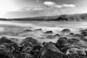 ondas do oceano ponto laauaokala foto