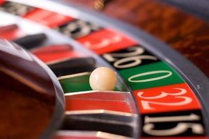 roleta no casino, zeno ganha