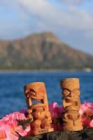 tikis havaí cabeça de diamante lei de waikiki oceano pôr do sol foto