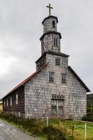 igreja de madeira, ilha de chiloé, chile foto