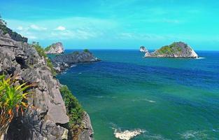 ilhas cat cat e formações rochosas foto
