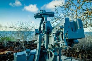 velho canhão nas Ilhas Galápagos de San Cristobal