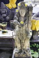 estátua em um templo hindu em jimbaran, bali, Indonésia.
