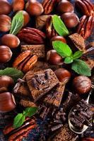 chocolate, nozes e hortelã
