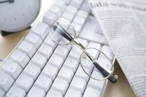 imagem da mesa no escritório foto