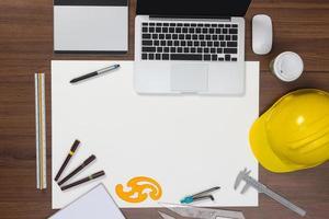 fundo de mesa de escritório com o conceito de idéias de projeto de construção foto