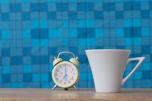 xícara de café na mesa foto