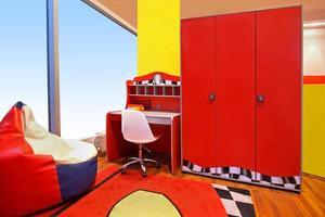 quarto de crianças vermelho