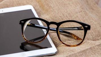 óculos de leitura no ipad