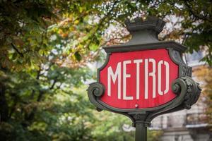 sinal de metrô de paris foto