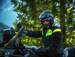 retrato de motociclista