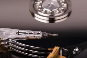 disco rígido drive hdd isolado no fundo branco foto