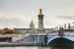 ponte alexander iii em paris foto