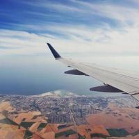 decolando no aeroporto de copenhague, dinamarca. foto