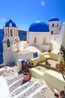 cúpula azul igrejas oia santorini foto
