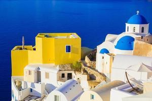 vistas de santorini na caldeira, oia, cyclades, grécia foto