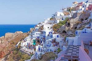 oia village em santorini, grécia foto