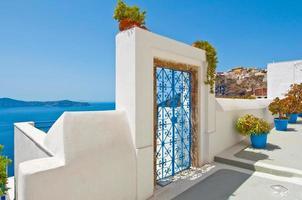 arquitetura de fira na ilha de thira (santorini). Grécia.