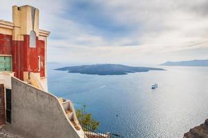 arquitetura antiga na ilha de santorini, grécia foto
