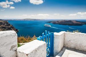arquitetura branca na ilha de santorini, grécia