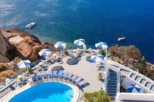 varanda com vista para o mar santorini