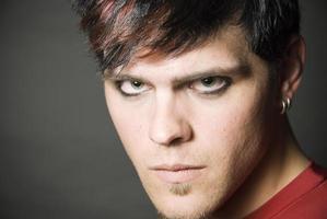 retrato de homem punker
