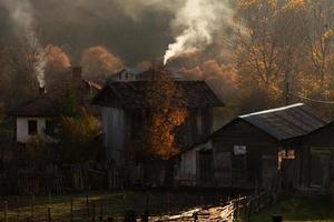 casas de campo no outono foto